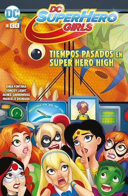 DC Super Hero Girls #4