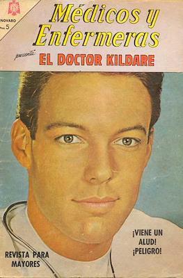 Médicos y Enfermeras (Grapa) #22