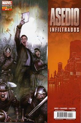 Asedio: Infiltrados (2010) (Grapa) #3