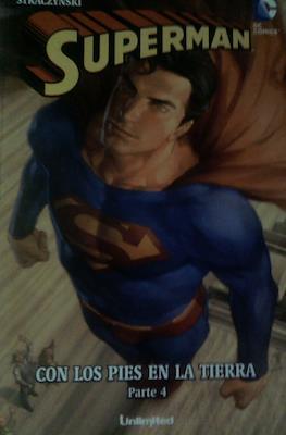 Superman. Con los pies en la tierra (Rústica) #4